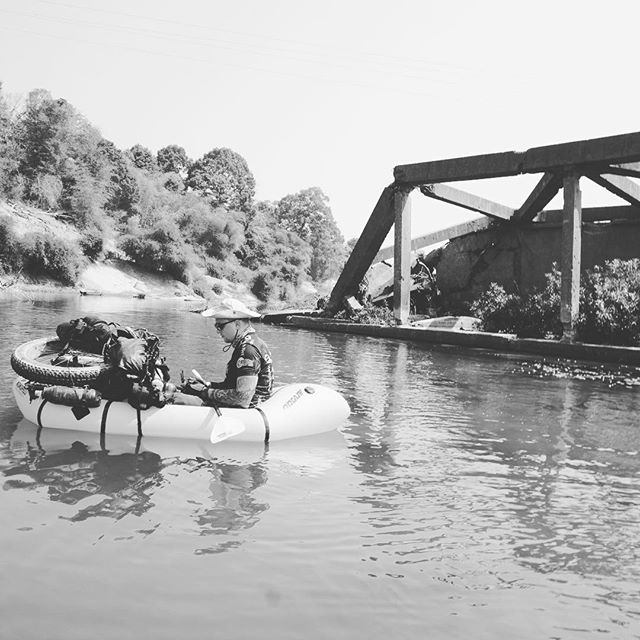 No bridge no problem packrafting time #laos #vietnam #bikepacking #cycle #cylcetouring #biketouring #adventure #lifeofadventure #adventures #adventuretime #travel #travelgram #instatravel #traveling #traveling  #sleepinthedirt #45nrth #baryak  #rideshimano #Bikepackinggear #raftingtours #rafting #raftingtrips #packrafting #packraft #bikerafting #hochiminhtrails