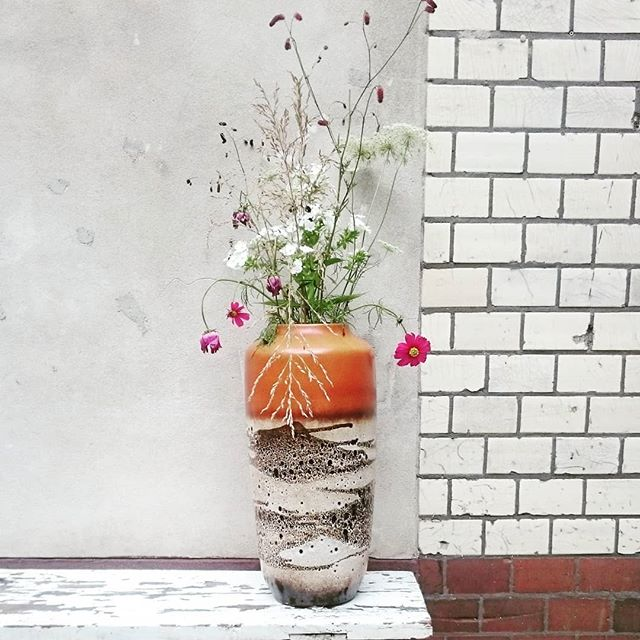 Promise to get back to some illustration posts soon! In the mean time how beautiful is this Vase?! Loving all the textures and colours going on 💕 . . . . . . . #texture #colour #inspiration #monochrome #pinkcolourpop #subwaybricks #ceramiclove #flowers #sundayvibes