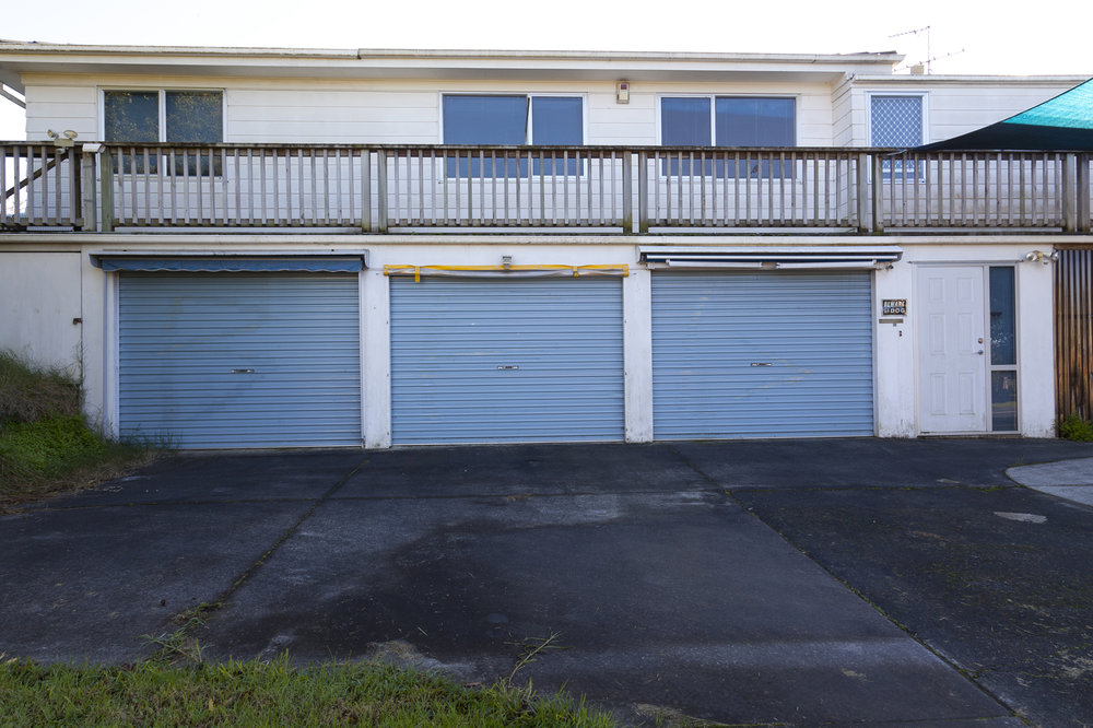 Luke Willis Thompson (Documentation of the garage doors in Manurewa, photograph by Caroline Boreham)