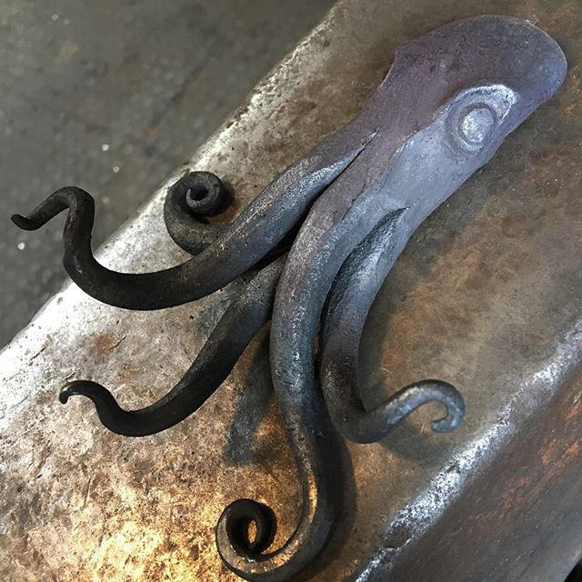 I've been Having a little play,  made a firewelded pentapuss coat hook!  I'll make one with 8 next time, But I'm glad this one mostly worked out!  #forging #playtime #tester #octopus #coatrack #coathook #fireweld #forged #blacksmithing #metalwork #sculptures #sea #sealife #coathanger #testpiece #ideas #pentagon #squid #fire #anvil #workshop