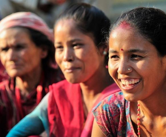 nepal-earthquake-relief-women-722x480.jpg