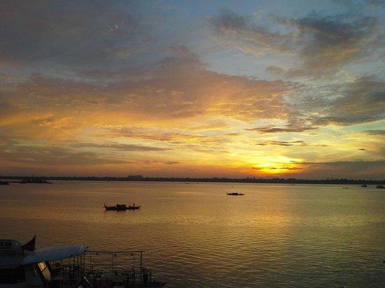 Sunrise The Himawari, Phnom Penh