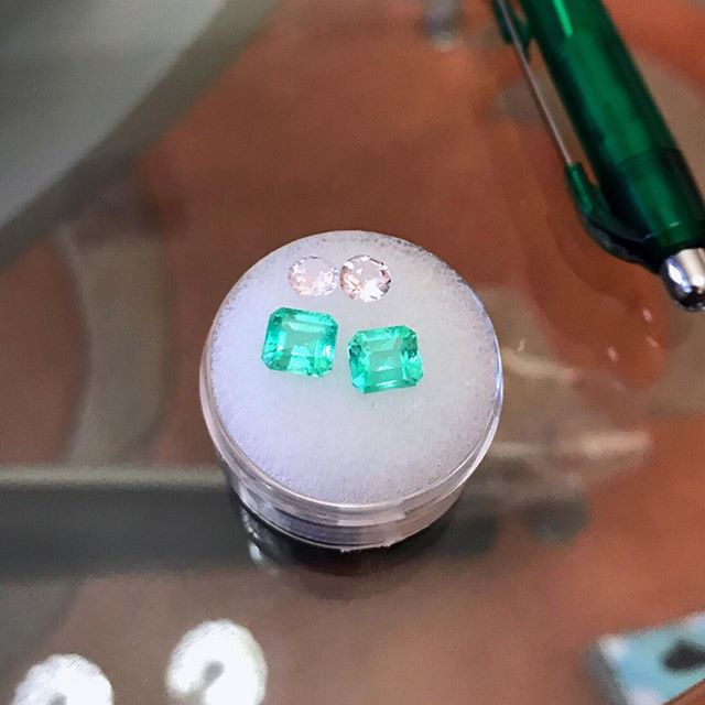 "How truly beautiful is the glow on this set of emerald earrings!💓💓💓 Did you know that most emeralds have some type of inclusion or imperfection, instead of the term imperfections, dealers like to reference emerald inclusions as an internal ""jardin"" (garden in French) . . . . #emeralds #emeraldjewellery #finejewellery #highjewellery #hautejoaillerie #jewelleryart #uniquejewellery #emerald #preciousjewellery #gemstone #jewellery #emeraldbangle #greenstone #greengemstone #greengem #naturalgemstone #naturalemerald #naturalemeralds #colombianemeralds #colombianemerald"