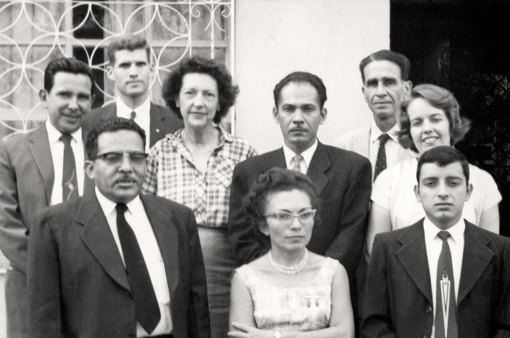Miembros de la Asamblea Espiritual Nacional, electa por primera vez en 1961.