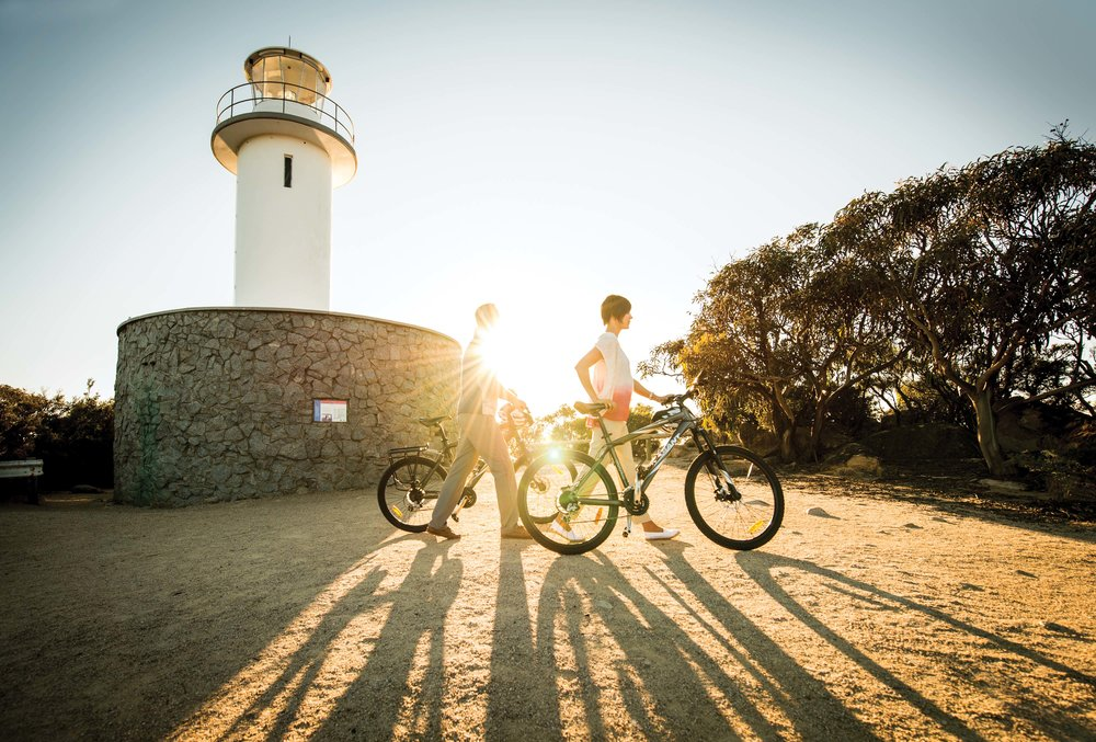Saffire_Freycinet_Cycling-Lighthouse.jpg