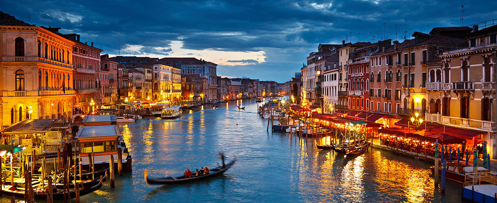 Europe-Italy-Venice-Gondola-Night.jpg