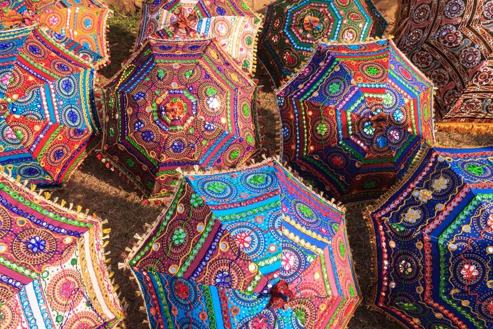 India-jaipur-bazaar-copyright-lewis-kemper.jpg