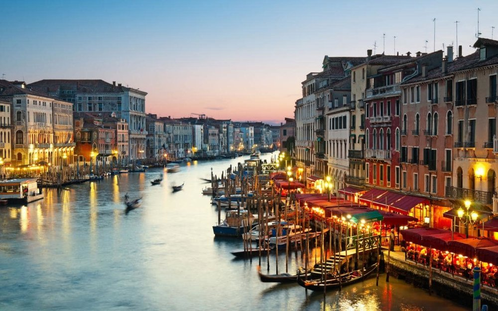 venice-restaurants-by-canal-xlarge.jpg