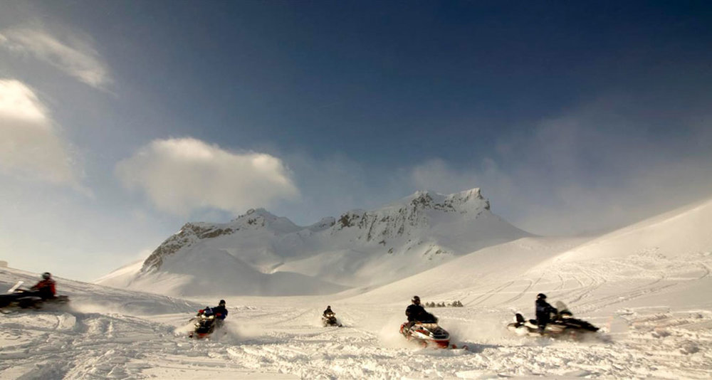 snowmobiling-S.jpg