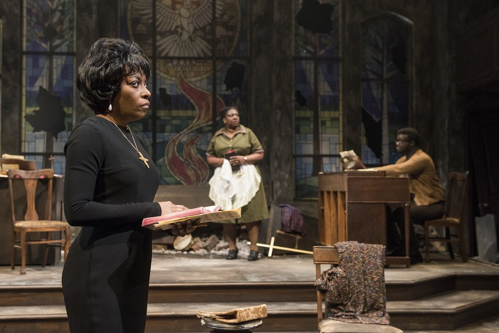 A scene from Northlight Theatre's NINA SIMONE: FOUR WOMEN. Photo credit Michael Brosilow