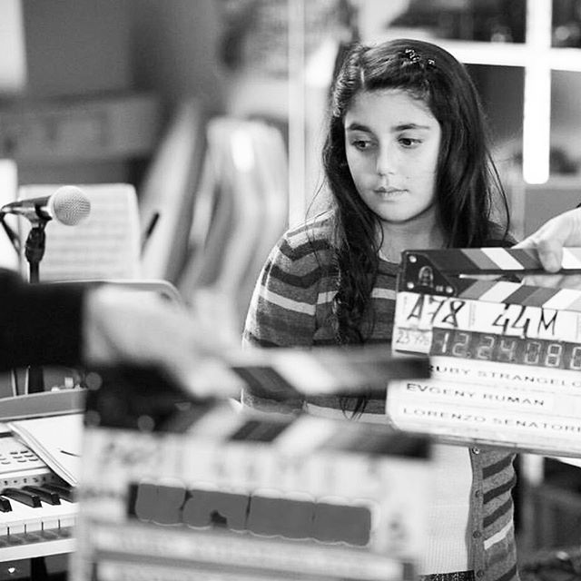 Check out this behind the Scenes photo with @seannapereira the star of this movie! This pic is in black and white just like the old movies! What's your favorite color? Make sure to check the link in our bio to watch this movie. •⠀ •⠀ •⠀ •⠀ •⠀ •⠀ •⠀ #film #moviesthatmatter #diginext #screening #Burlington #Massachusetts #bostonarea #tickets #movie #magical #seannapereira #bullying #bullyingawareness #moviescreening #youngactress #childrenfriendly #invitation #familyfriendly #familynightout #fun #movienight #questionandanswer #music #childrenband #childrenmusic #childmovie #feburary #photooftheday
