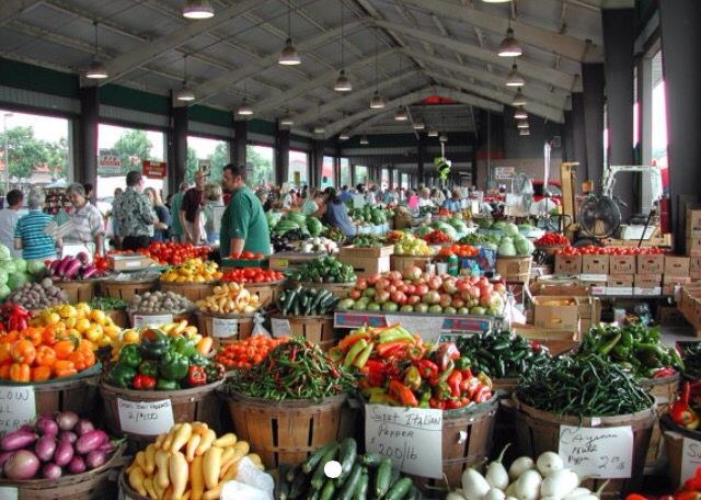 Photo of Raleigh Farmer's Market at the height of summer