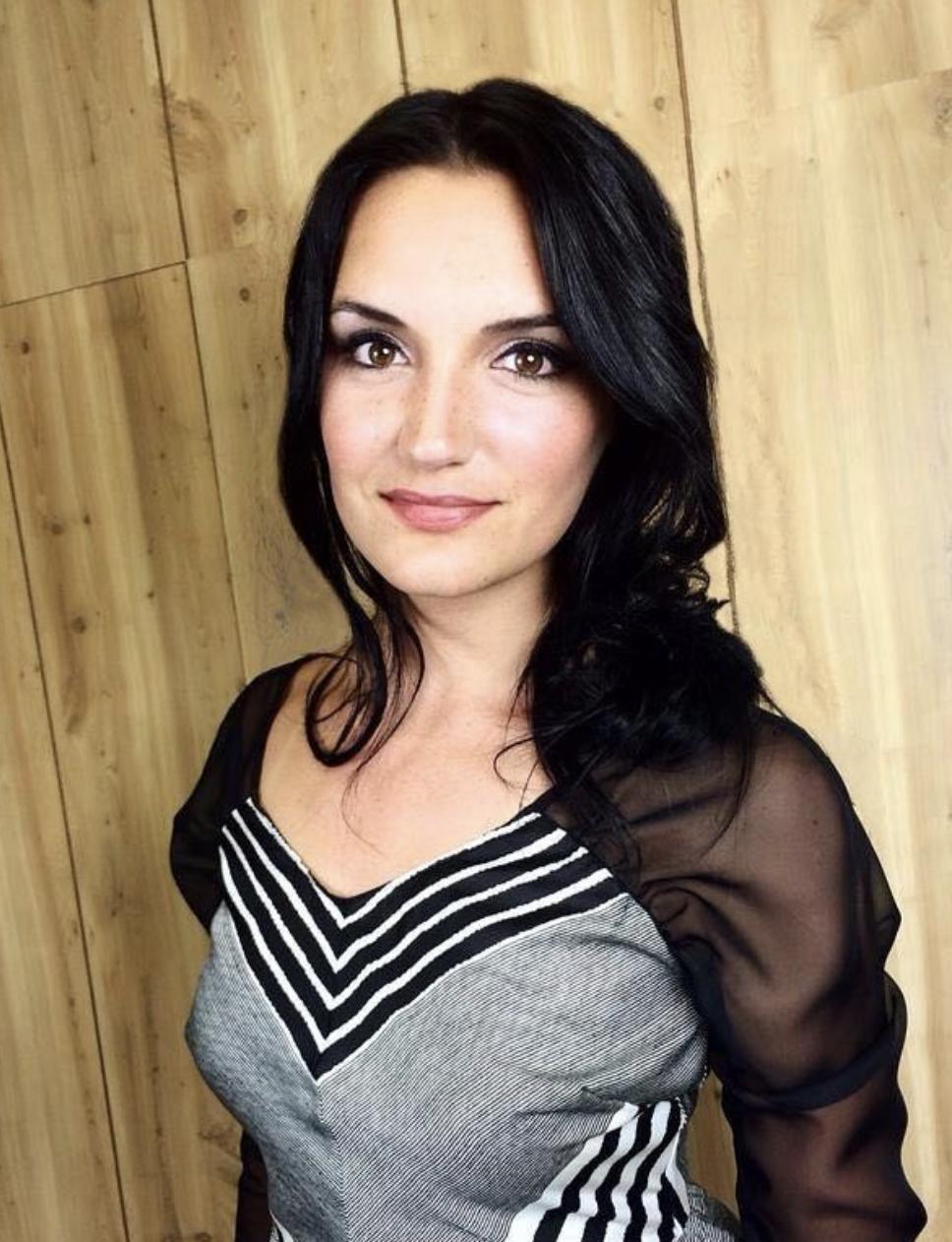 Amy Cringole.png