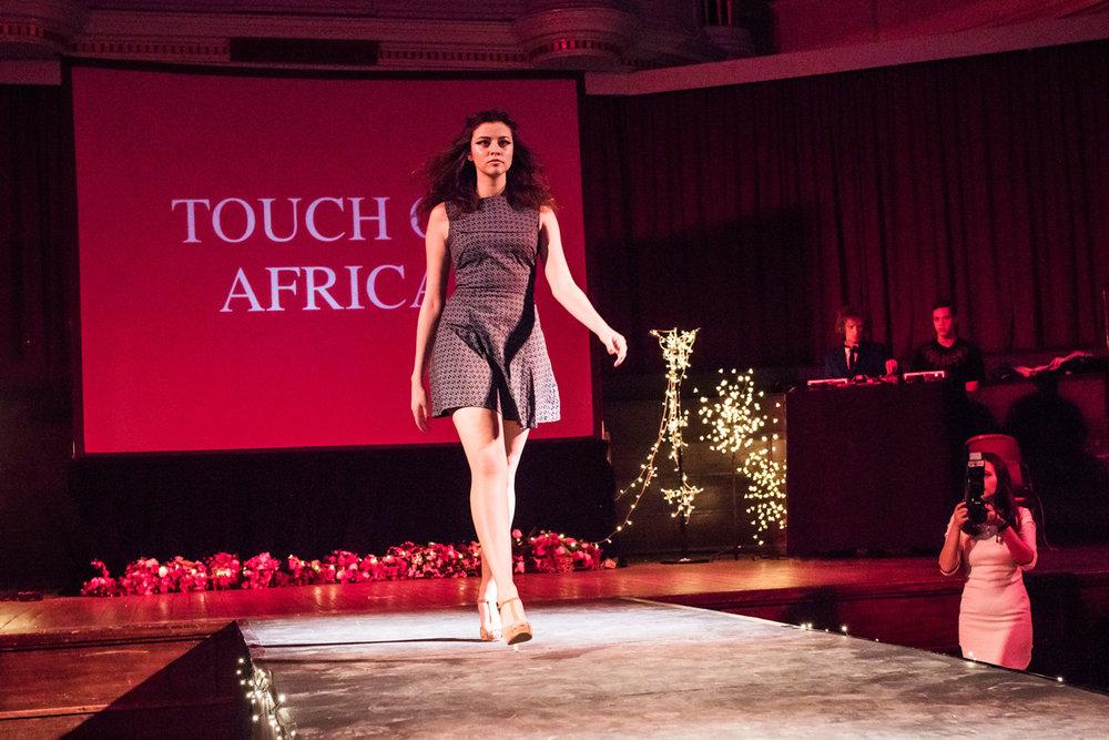 hjorthmedh-cambridge-university-fashion-show-10.jpg