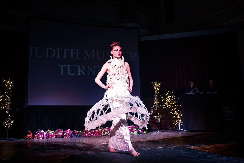 hjorthmedh-cambridge-university-fashion-show-16.jpg