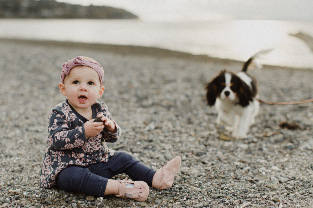 photo-of-seattle-family-photographer-at-carkeek-park-2-1.JPG