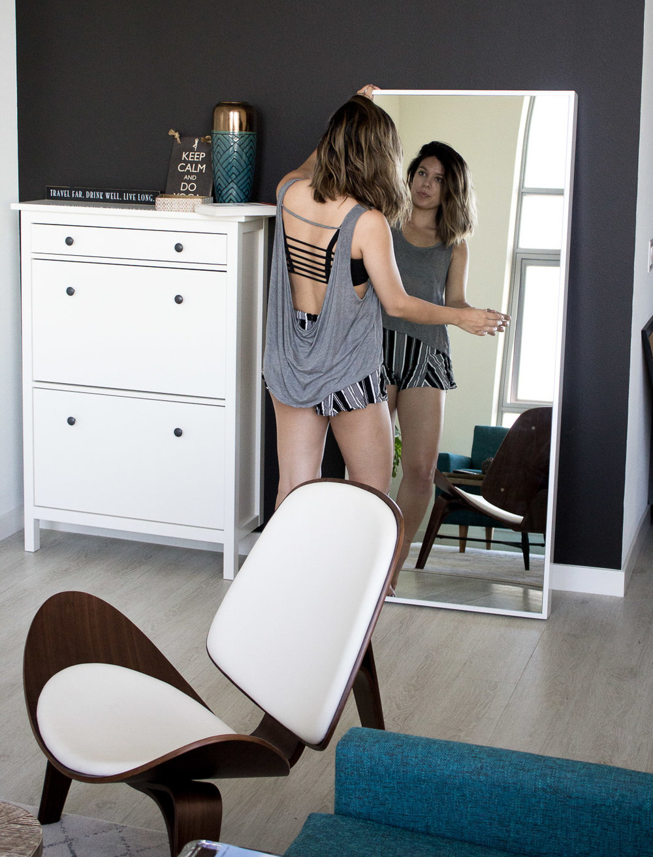 Rachel Off Duty: Decorating a Studio Apartment