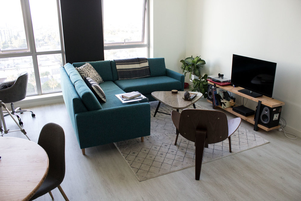 Rachel Off Duty: Decorating a Studio Apartment