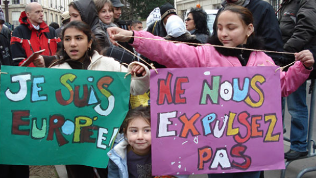 """Roma protest against deportations (image source Rromeurope) """"I am European"""" & """"Do Not Deport Us"""""""