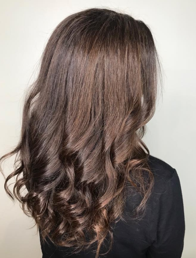 Hot Chocolate - A rich, warm chocolate is perfect to warm you up for the holidays. Depending on your preference, you can either go with a golden or a darker toned chocolate. Changing the tonality of your hair is an easy way to make a change without fully committing to a new color.