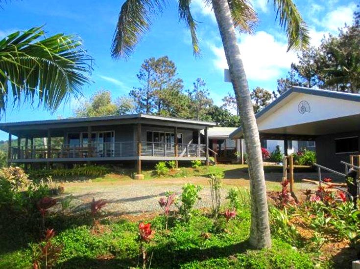 lomani-au-childrens-home.jpg
