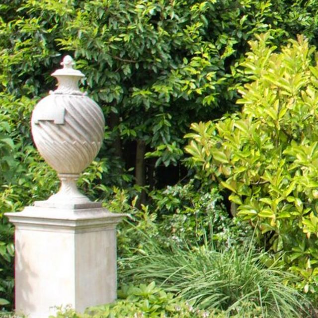The calm following a celebration, is the after party for our garden 🍀 #muskfarm #gardenurn #landscapegardening