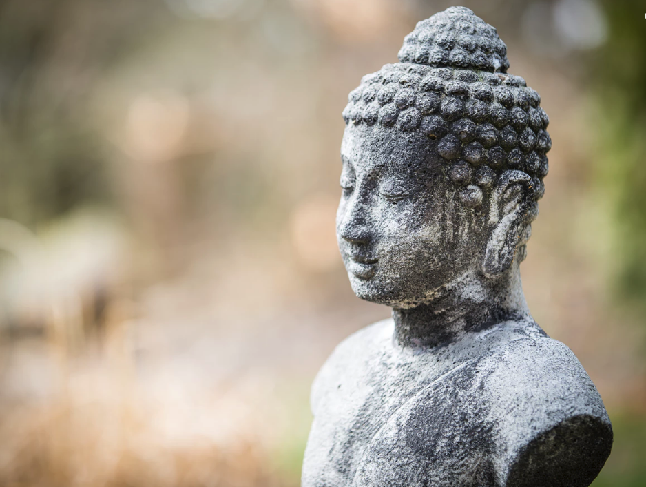 Outdoor Buddha statue photo by Sabine Schulte (@tibine) on Unsplash 2018-08-02 12-17-33.png