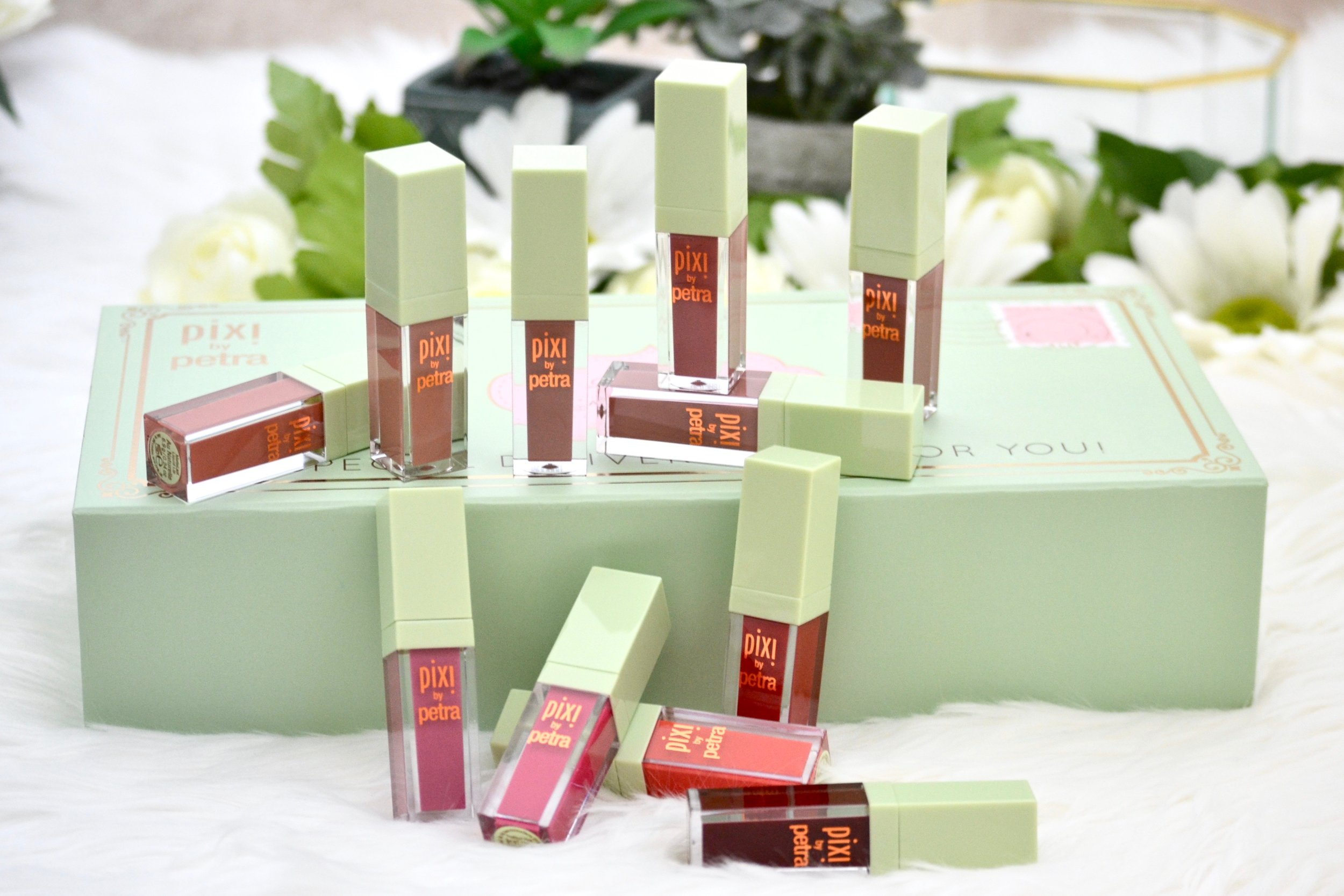 Your search for the best affordable/drugstore matte liquid lipstick has finally ended! The Pixi Beauty MatteLast Liquid Lip will become your new favorite! I've never tried a better matte liquid lipstick before this one. The Pixi Beauty MatteLast Liquid Lip is the best! Check out my full review and swatches of the entire shade range! #pixibeauty #matteliquidlipstick #drugstoremakeup #affordable