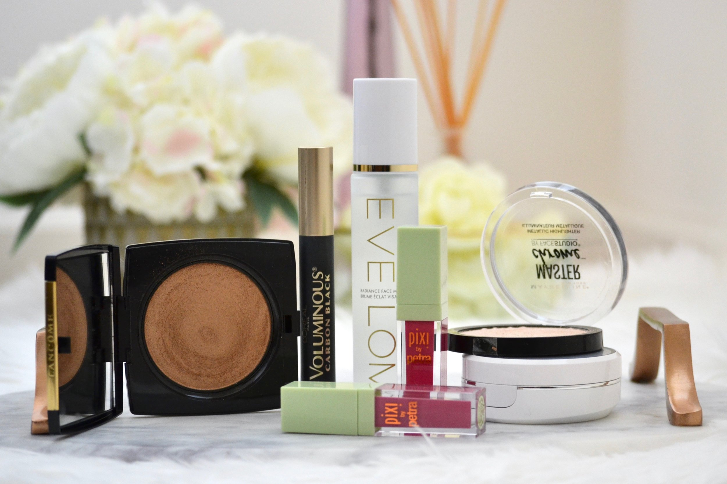 October was a great month for beauty products - from makeup to skincare and from drugstore to luxury. Check out what the best makeup and skincare products of October were! #makeup #skincare #drugstoremakeup #luxurymakeup #bestmakeup