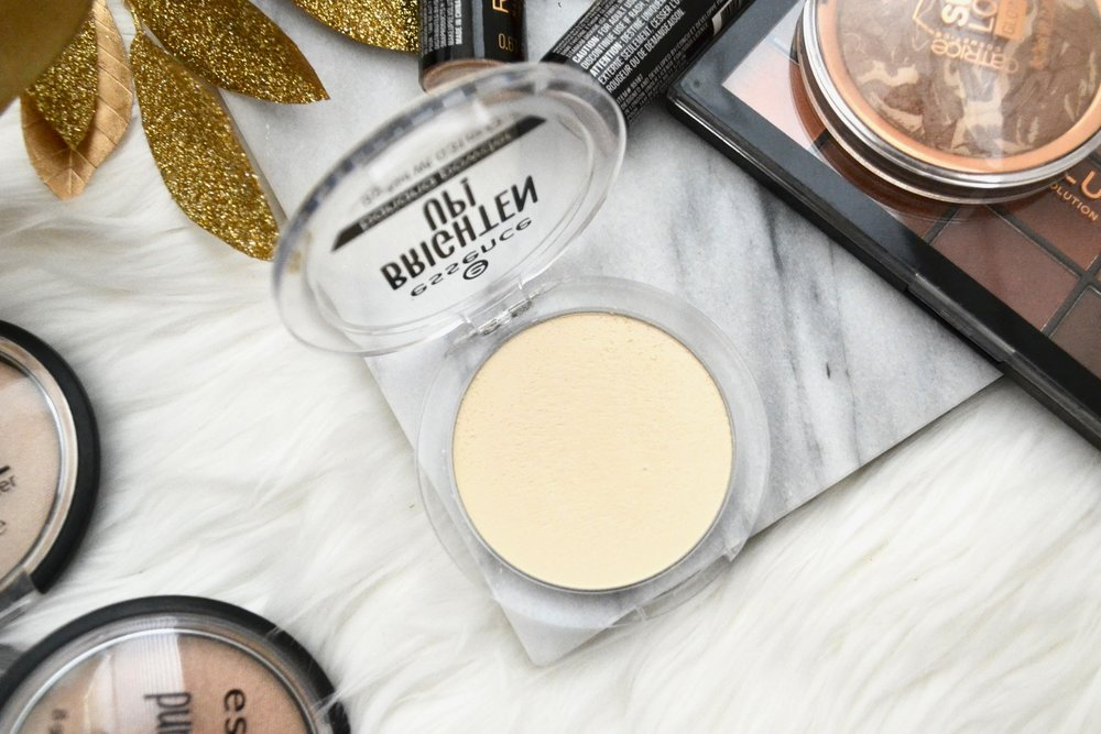I tested out a lot of makeup to bring you the best drugstore makeup that are less than $10! From foundation, concealer, powder, blush, bronzer, to highlighter, and everything in between, you can find AMAZING makeup at the drugstore for such an affordable price! I'm obsessing over these drugstore makeup products and you should be too!
