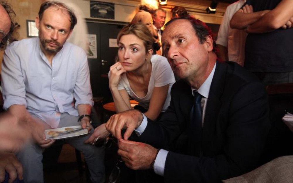Julie Gayet and François Hollande watch the socialist primary in 2011. Credit : LP/Olivier Corsan