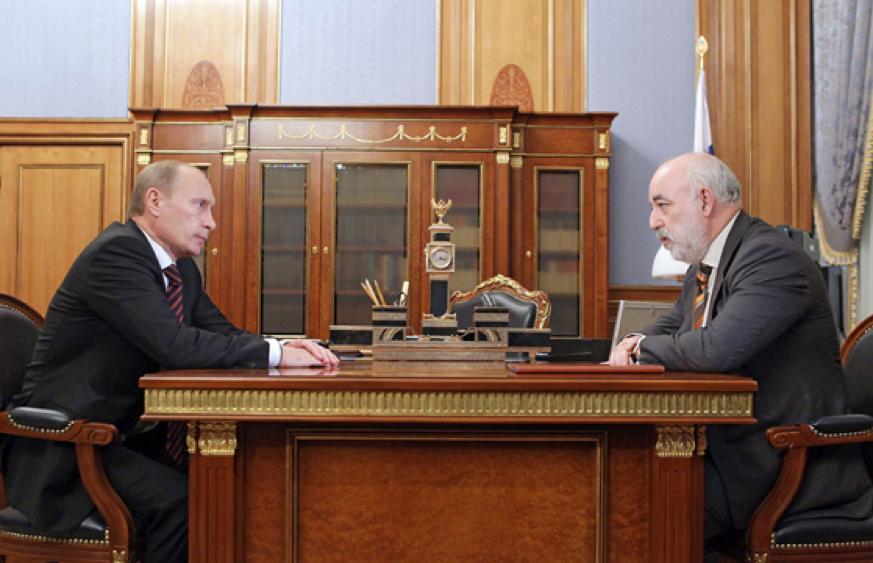 Vladimir Putin meets with billionaire Viktor Vekselberg (Photo: Russian State Department)