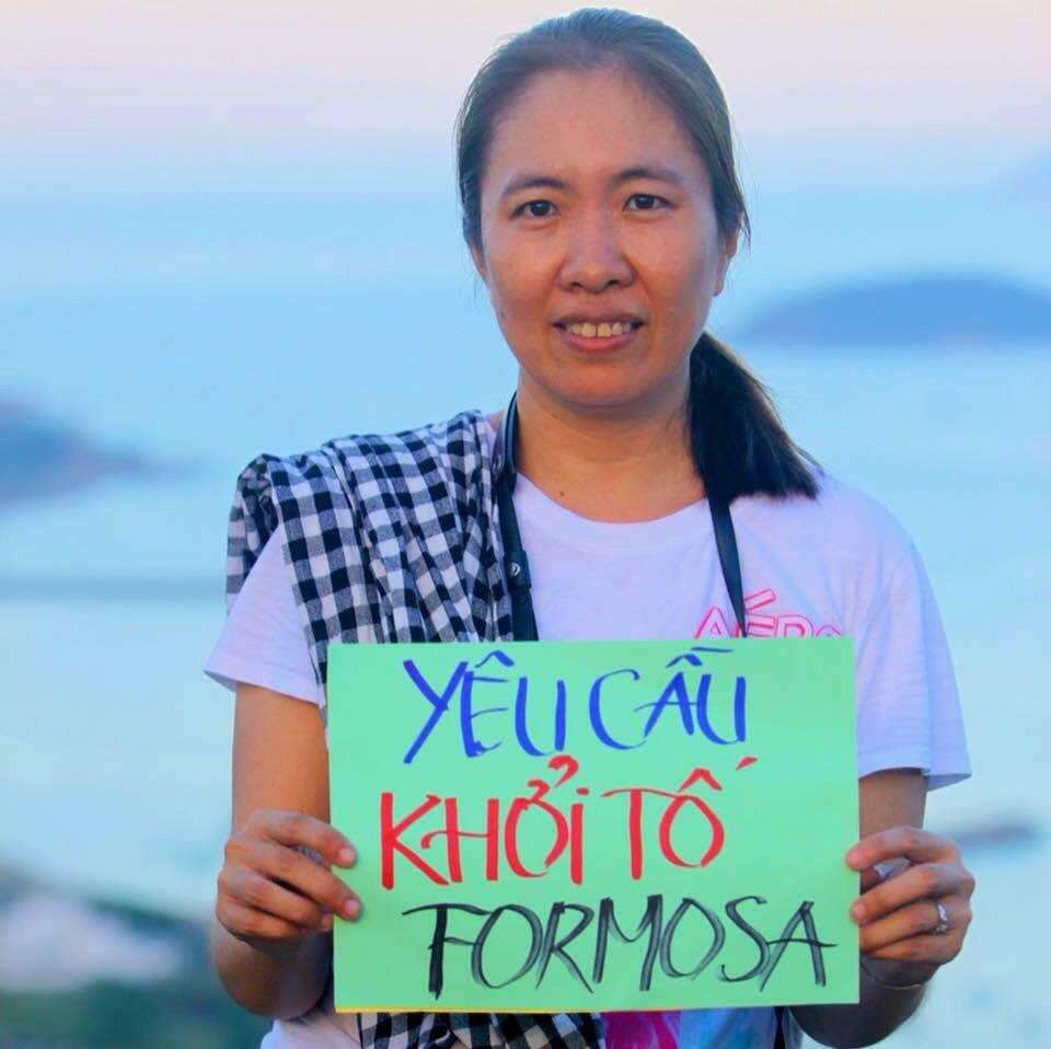 http://vietnamrightnow.com/2016/10/blogger-mother-mushroom-gets-arrested-for-propaganda-against-the-state/