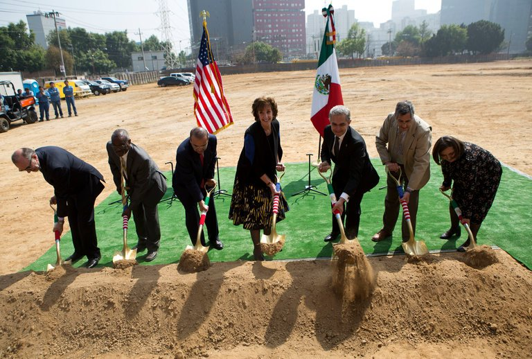 Roberta S. Jacobson, center, during a ceremony for the new American Embassy in Mexico City last month (New York Times)