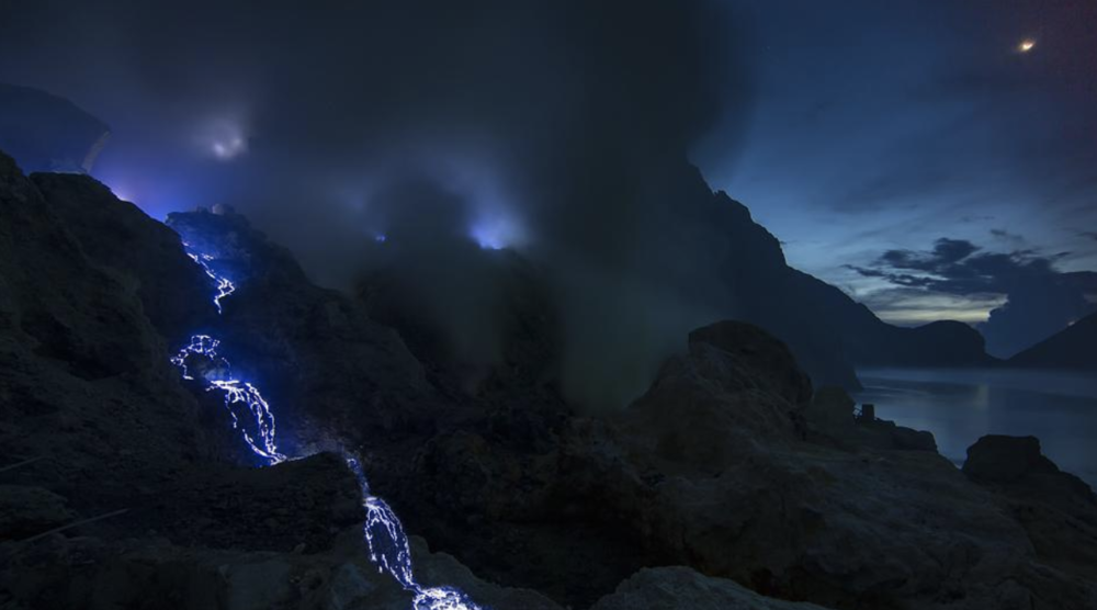 (Photo: blue flames near the crater of Mt. Ijen. Source:  http://www.liewwkphoto.com/blog/?p=3828 )