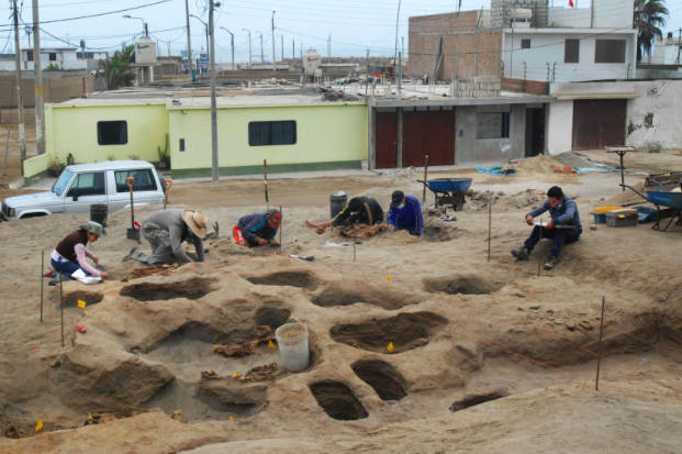 Archaeologists excavate the coastal lot where the ritual event took place more than 500 years ago (National Geographic)