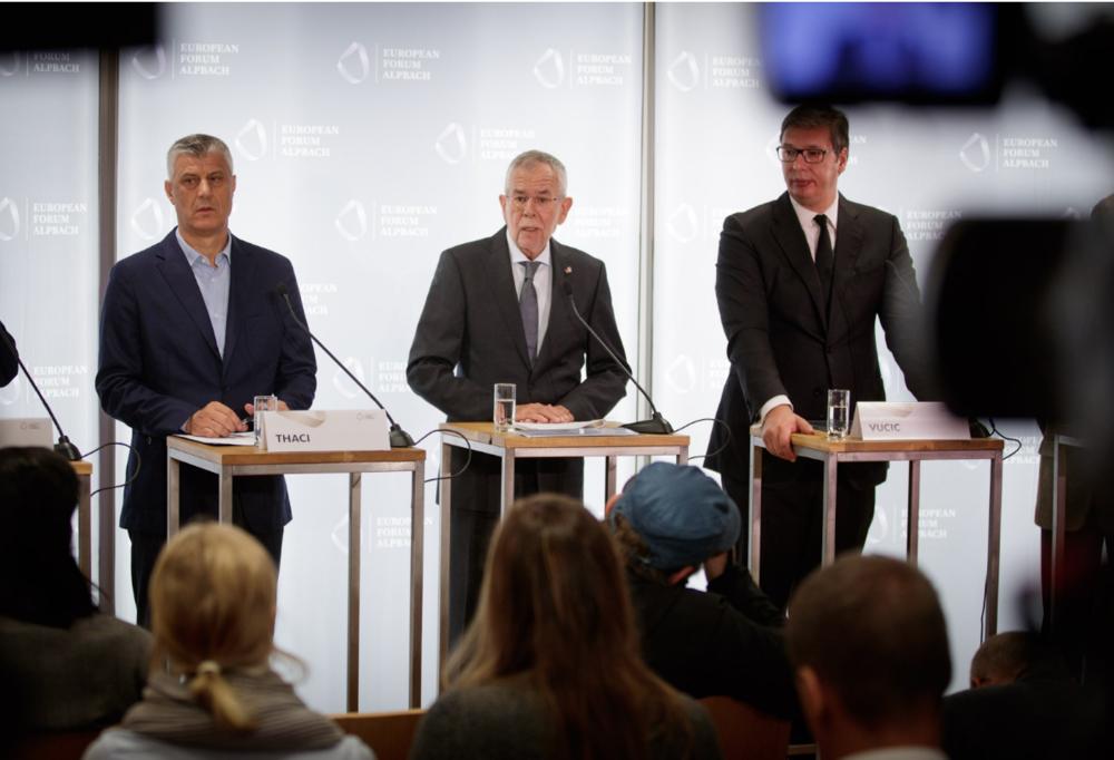 President of Kosovo Hashim Thaçi (left), President of Austria Alexander Van der Bellen (center), and President of Serbia Aleksandar Vučić (right) at European Forum Alpbach on Aug. 26, 2018. Photo:  @vanderbellen/Twitter