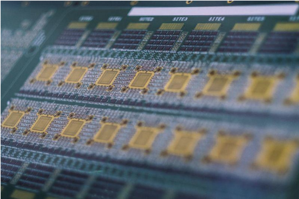 Last week a Bloomberg report claimed that Chinese chips were inserted into US servers to steal data. Credit:    Bloomberg