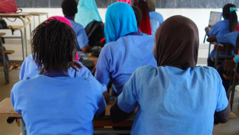 In Sédhiou, southern Senegal, girls are in their classroom in a middle secondary school (2017). Photo: Elin Martínez/ Human Rights Watch