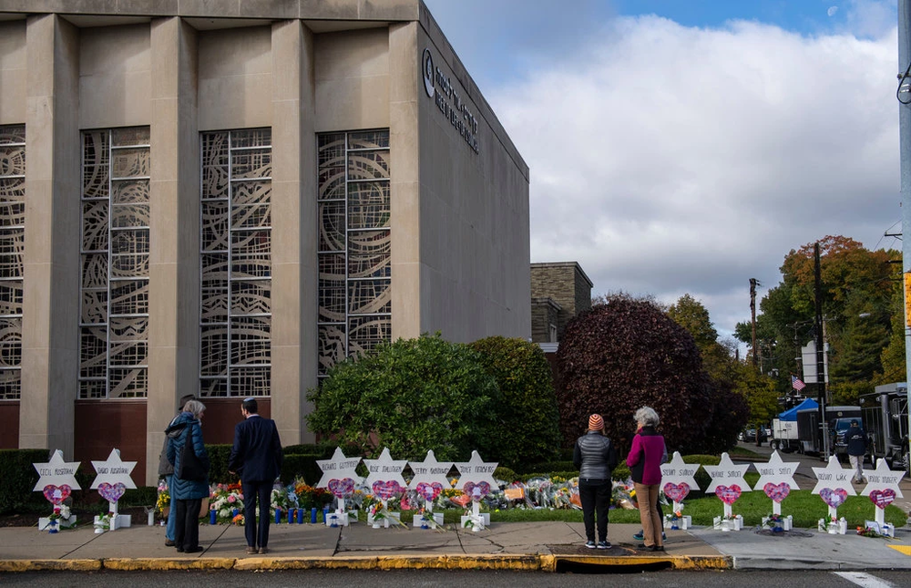 Memorial for the Victims outside the Tree of Life Synagogue.  Photo:  Michael Henninger/New York Times