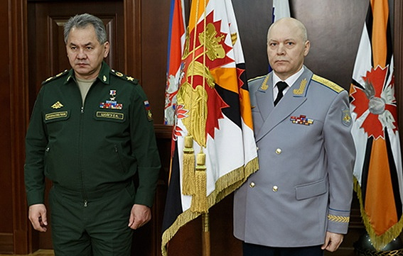 File photo of Minister of Defense General of the Army Sergei Shoigu (left) and Head of the GU Colonel General Igor Korobov. Credit:  Russian Defense Ministry's Press and Information Department/TASS