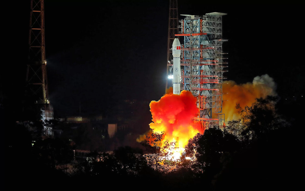 The Long March-3B rocket lifts off from Xichang Satellite Launch Center in Sichuan Province at 2:23 AM local time on Saturday, Dec. 8, 2018. Credit:  Jiang Hongjing/Xinhua/Zuma