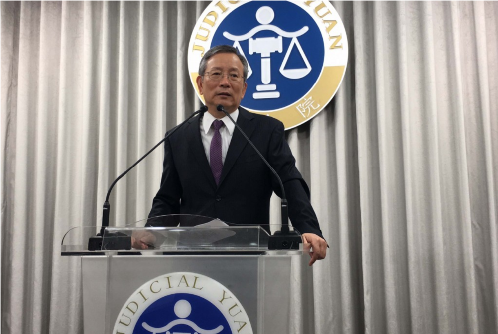 Judicial Yuan Secretary-General Lu Tai-lang holds a press conference on Nov. 29, 2018 to address the legal situation concerning same-sex couples' rights in light of the referendum results. Credit:  Central New Agency