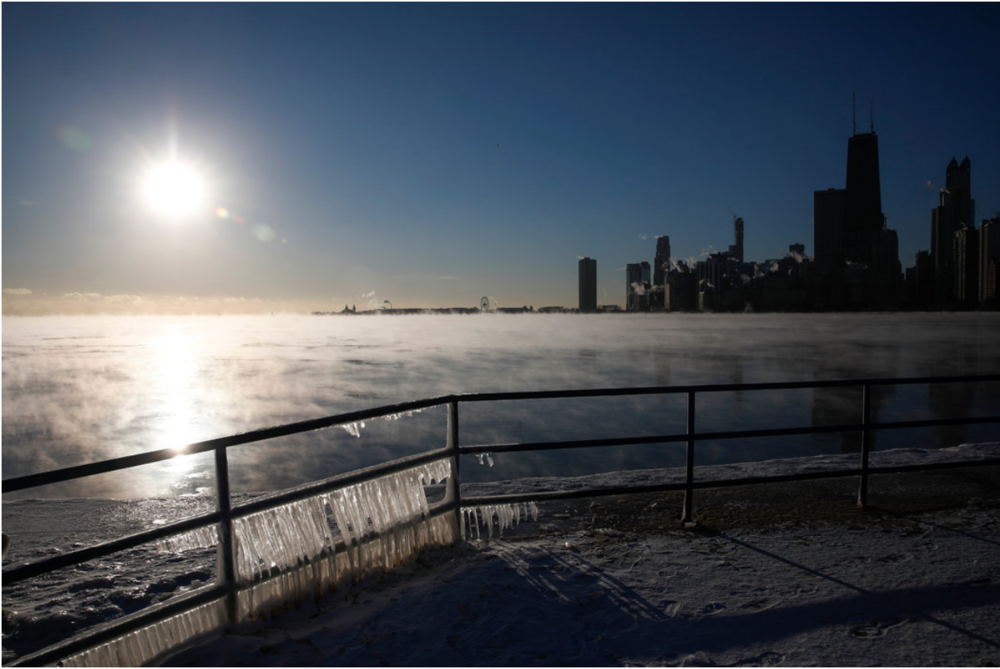 A view of Chicago and Lake Michigan during the deep freeze. Photo: Jose Osorio /  Chicago Tribune