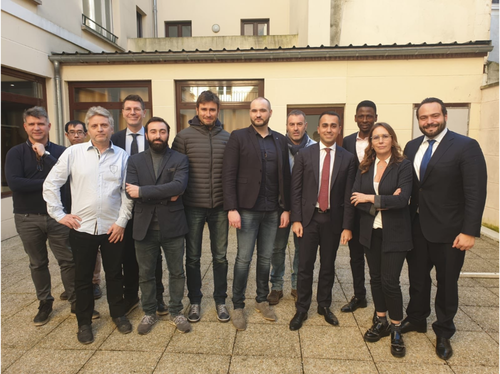 Italian Deputy Prime Minister, Luigi di Maio, met with leaders of the Yellow Vest movement. Source:  Twitter