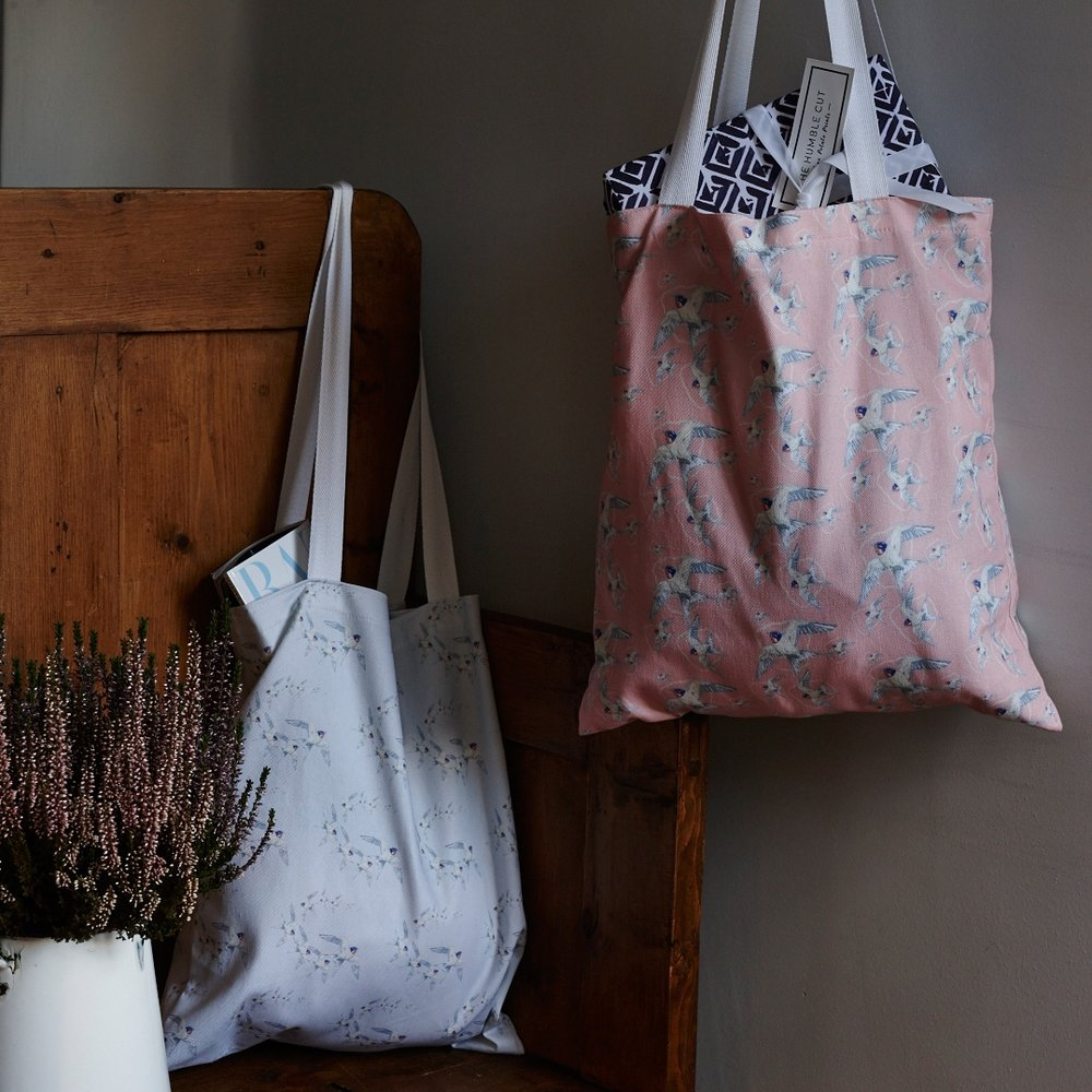 Swallows & Pearls - Tote