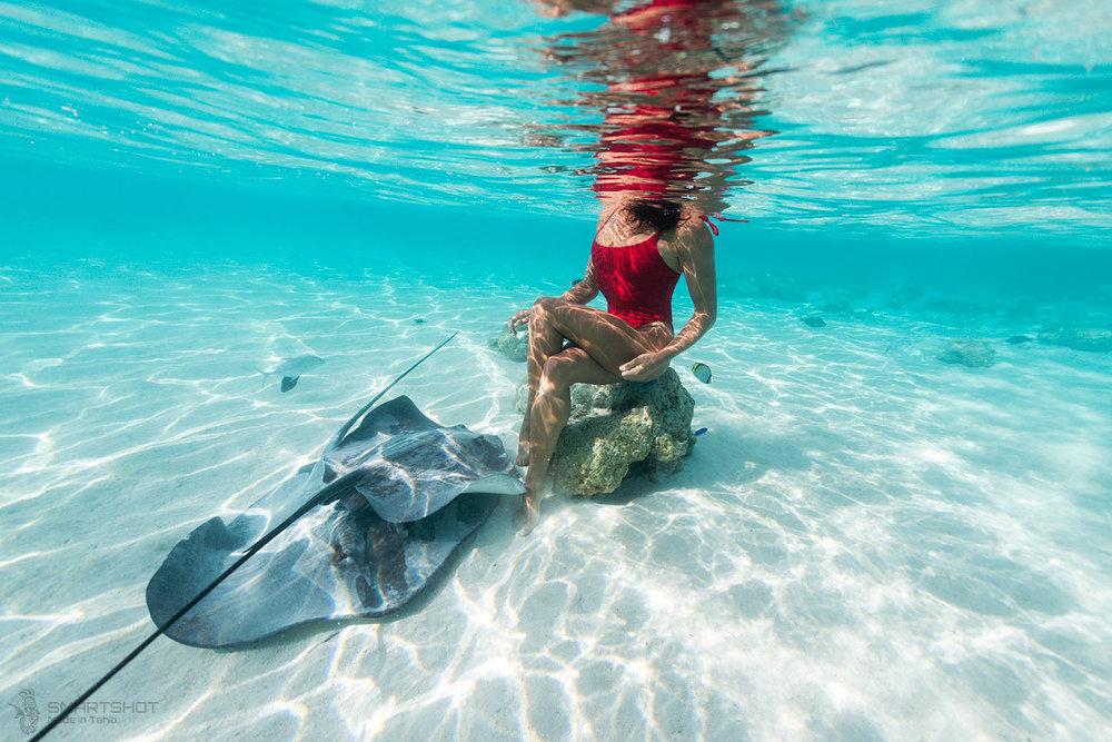 julia wheeler, christian coloumbe, freediver, underwater photography, tahiti