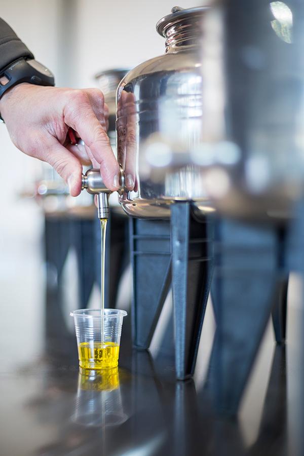 babylonstoren-oil-pour.jpg