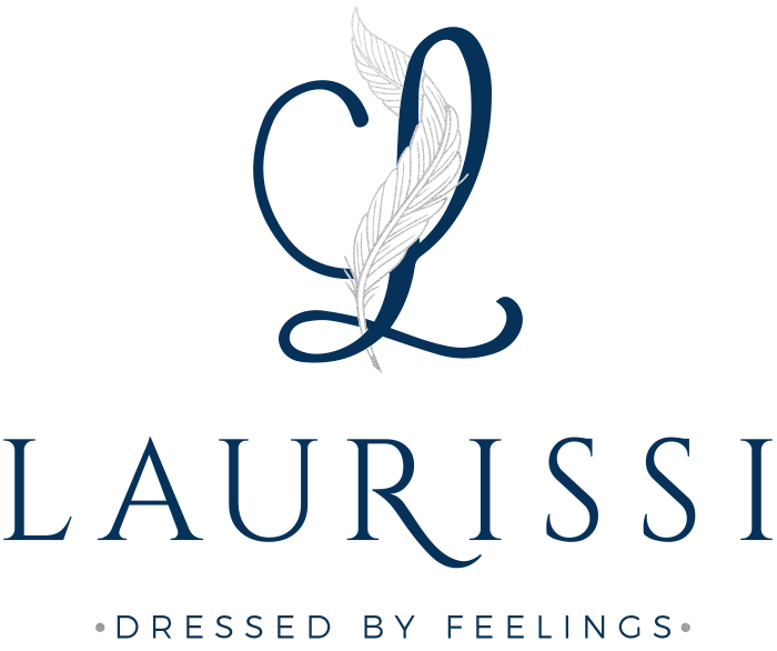 LAURISSI | Dressed by feelings