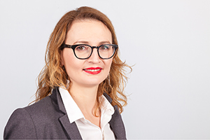 Oana Lelcu for Non-EU & Int. - Manager International Recrutiment                              Campus Bad Honnef · BonnPhone: +49(0)2224-9605-152                                                      E-mail: o.lelcu@iubh.de